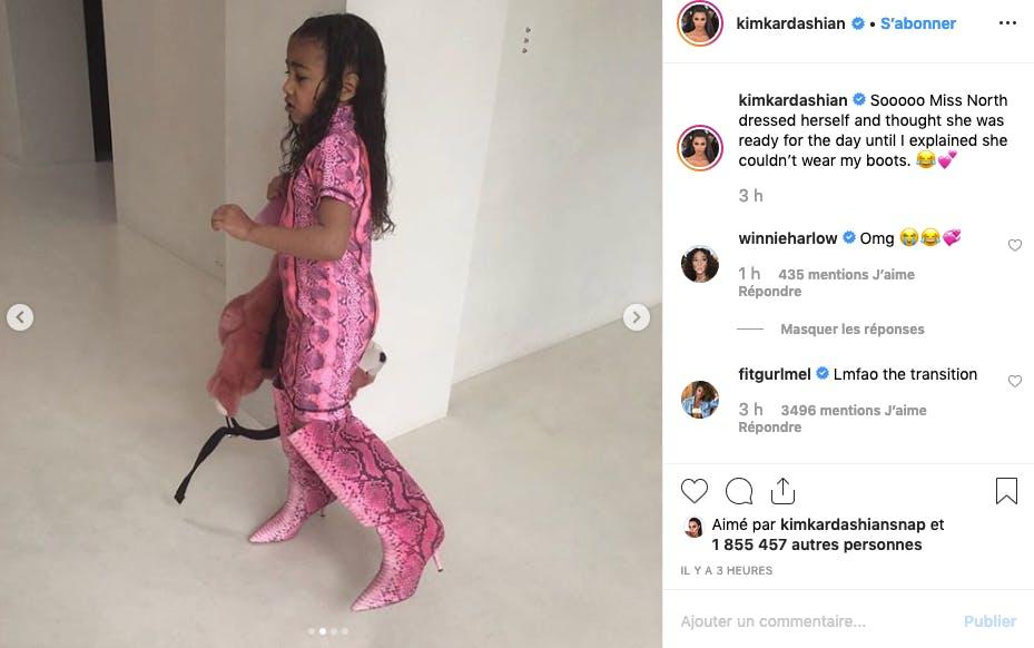North West a trouvé la robe qui va pile-poil avec les bottes de maman