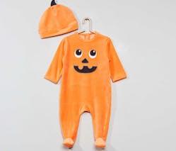 Le pyjama citrouille avec bonnet