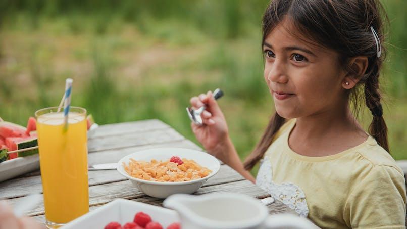 A 10 ans, les enfants consomment du sucre comme à l'âge de 18 ans
