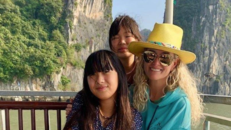 Laeticia Hallyday : sa décision au sujet des mères biologiques de Jade et Joy