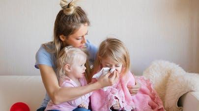 Rhume chez l'enfant : 51% des parents s'appuient sur des croyances pour le soigner