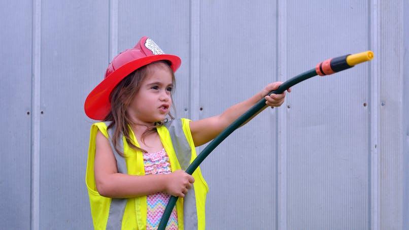 Être une femme et devenir pompier : la réponse de Twitter à une petite fille qui doute