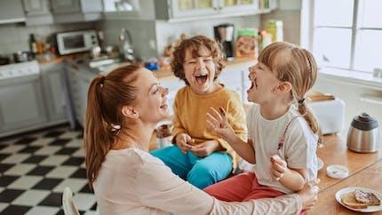 Parents : est-ce normal de ne pas aimer ses enfants de la même façon ?