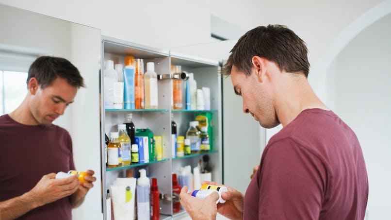 Médicaments : la revue 'Prescrire' alerte avec une liste noire
