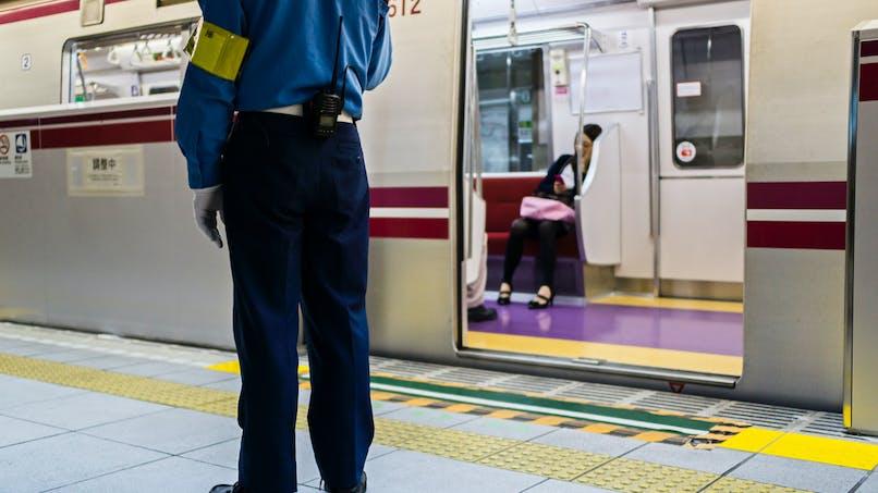 Suède : la vidéo d'une femme enceinte forcée à descendre d'un train fait scandale