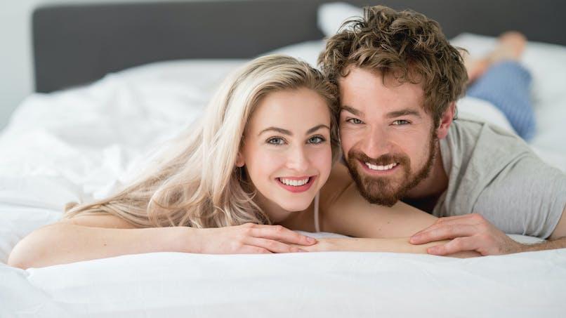 Les trentenaires font moins l'amour : pourquoi ?