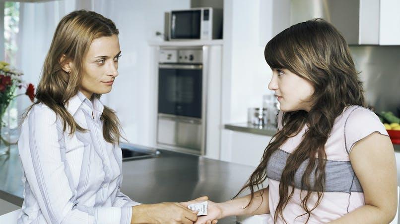 """Ados : les distributions de préservatifs préviennent les MST sans encourager des """"mœurs légères"""""""