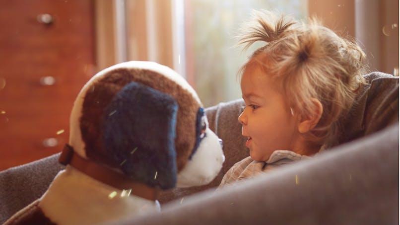 10 coiffures simples pour bébé aux cheveux courts