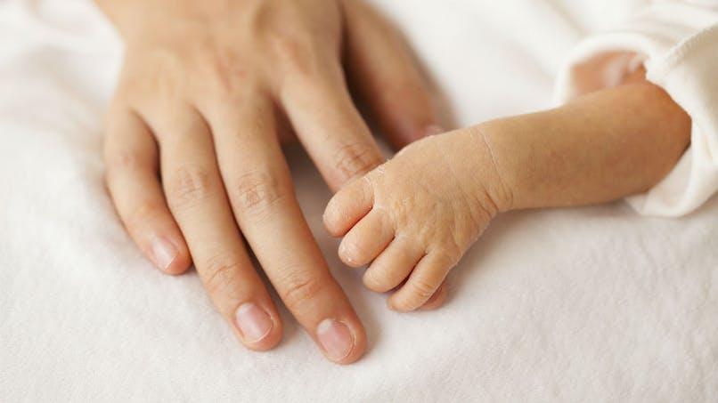 Des capteurs sans fils pour surveiller les bébés en couveuse et favoriser le peau à peau