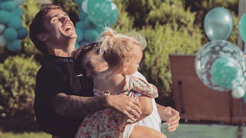 Antoine Griezmann bientôt papa : sa femme affiche son impatience (photo)