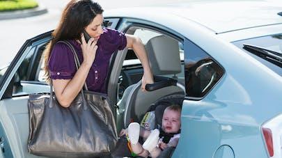 Siège-auto : les jeunes mamans ne devraient pas les transporter seules