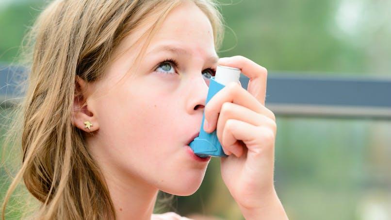 Chez l'enfant, la vitamine D peut protéger contre l'asthme associé à la pollution