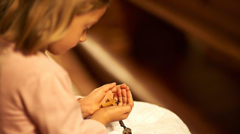 Pédophilie dans l'Eglise : les propos d'un abbé sur l'attitude des enfants font scandale