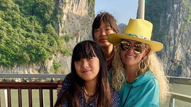 Laeticia Hallyday : l'éducation de ses filles remise en question