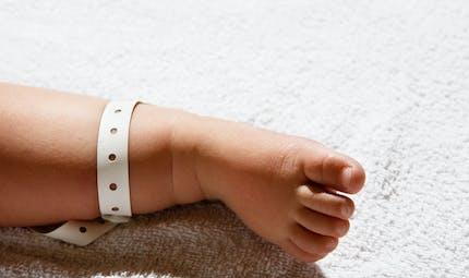 Elle apprend qu'elle est rentrée chez elle avec le mauvais bébé après un test ADN
