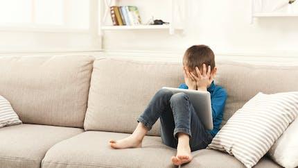 Un enfant de 3 ans bloque la tablette de son père pour 48 ans