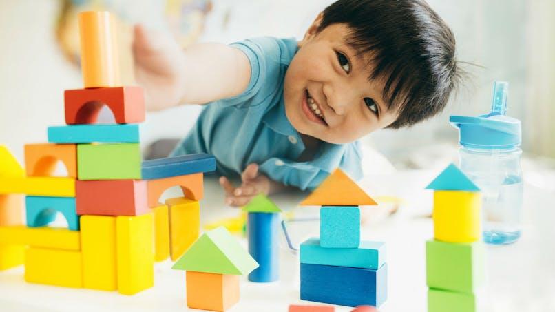 Moins d'écrans et plus de jeux et de sommeil: les consignes de l'OMS pour les moins de 5 ans