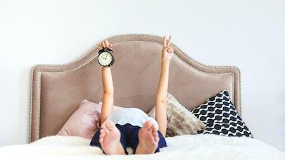 La grossesse décalerait l'horloge biologique de quelques heures