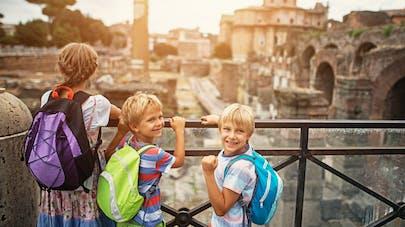 enfants en visite en Europe