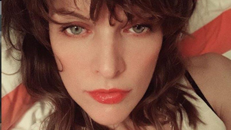 Avortement : Mila Jovovich raconte le sien en urgence dans les pays de l'Est