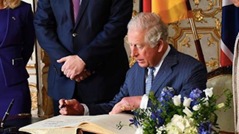 Royal Baby : le prince Charles a enfin rencontré Archie