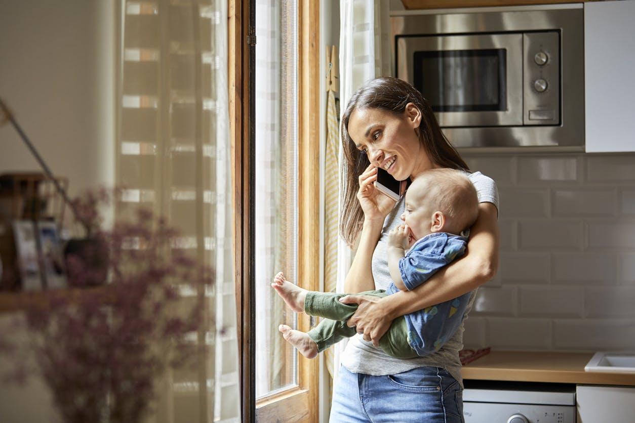 La voix d'une mère au téléphone aurait les mêmes vertus qu'un câlin