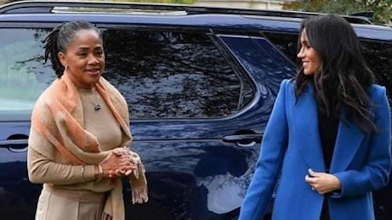 Royal baby : Meghan Markle doit s'en occuper seule, sa mère est repartie