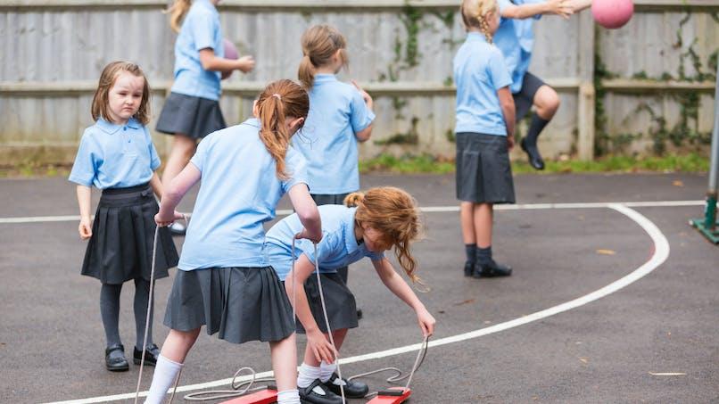 Uniforme à l'école : une école de l'Aube consulte les parents