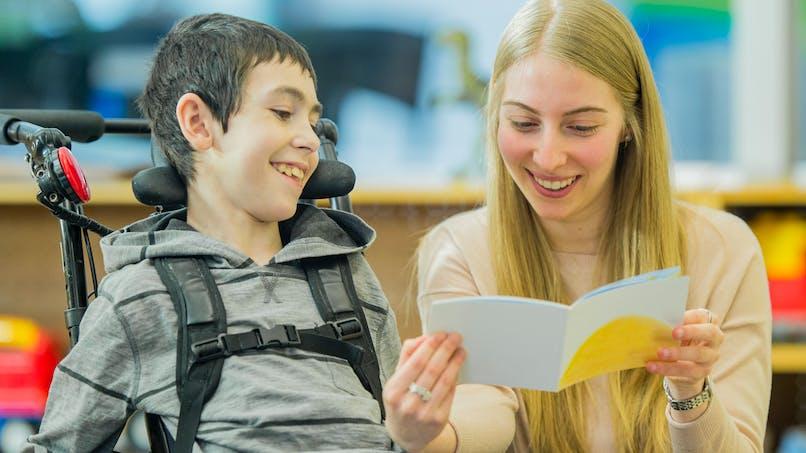 Elèves handicapés : le métier d'accompagnant bientôt reconnu