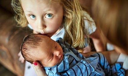 Arrivée du deuxième enfant : la jalousie, c'est inévitable ?