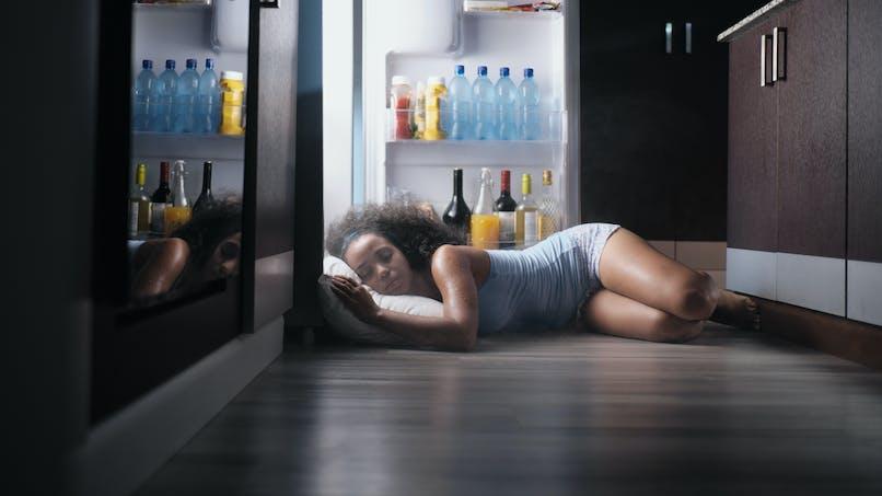 Canicule : les astuces des Français pour bien dormir