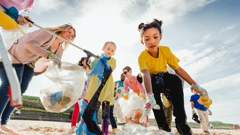 Protection de l'environnement : les clubs de plage décernent un diplôme d'ambassadeur de l'Océan