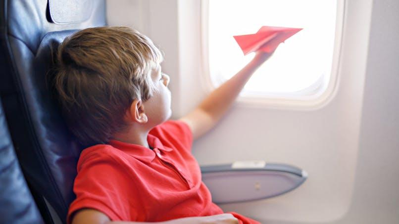 Avion: les enfants ayant besoin de soins médicaux à bord ont une aide limitée