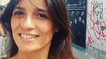 Tania Young bientôt maman : la miss météo dévoile son baby-bump à l'antenne