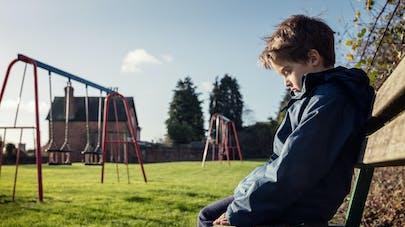 Enfant seul dans un parc : l'expérience édifiante menée par des journalistes canadiens