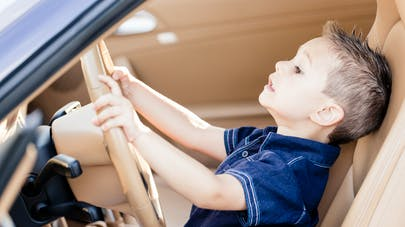 Allemagne : un enfant de 8 ans conduit à 140 km/h sur l'autoroute