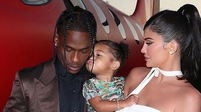Des images inédites de la naissance de la fille de Kylie Jenner dévoilées