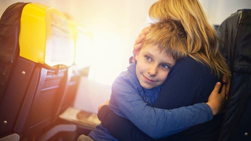 """""""Non, mon fils n'est pas impoli mais autiste"""" : le billet d'une maman lassée d'être jugée"""
