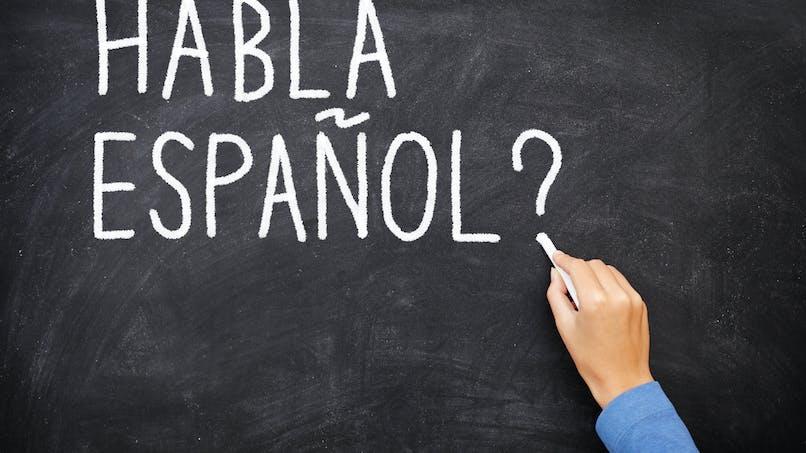 Rentrée scolaire : une mère se fait passer pour la nouvelle prof d'espagnol !