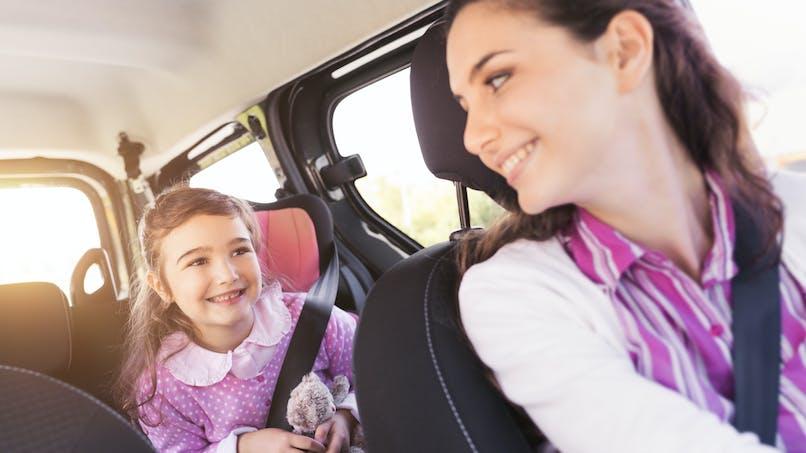 Une mère conduit ivre, sa fille de 10 ans la filme et appelle la police