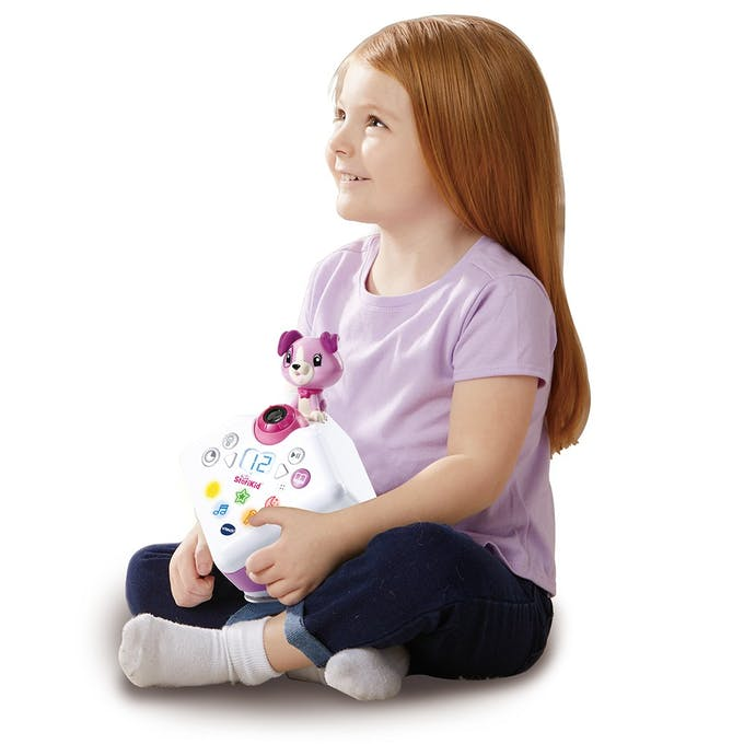 petite fille avec storikid