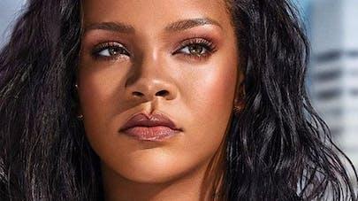 Rihanna enceinte : des indices qui sèment le doute (photos)