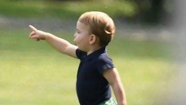 Le prince Louis seul à la maison après l'entrée à l'école de Charlotte