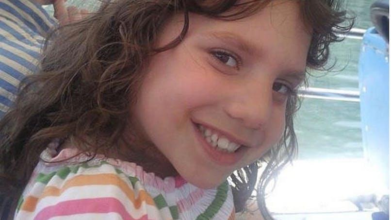 Ils adoptent une fille de 6 ans… qui serait une naine sociopathe de 22 ans