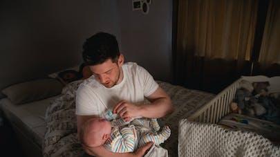 Couple : un papa détaille comment être un super partenaire après la naissance du bébé, son message devient viral