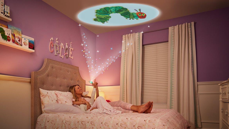 Il était une fois… la magie Moonlite ! Le projecteur d'histoires qui rend l'heure du coucher féerique !