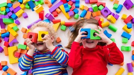 Montessori : les jouets incontournables à glisser sous le sapin