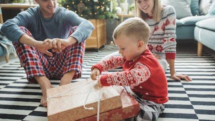 Noël : combien de cadeaux les parents comptent-ils acheter à leurs enfants ?