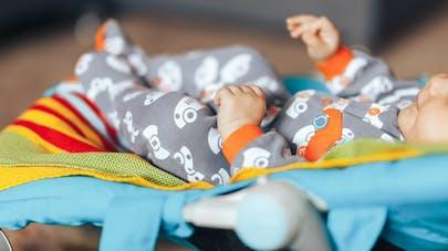 Transat incliné pour bébé : les autorités américaines recommandent de ne plus les utiliser