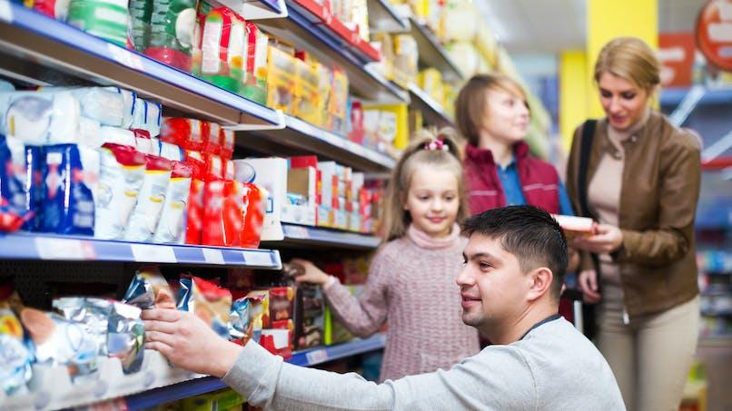 Biscuits, bagues lumineuses, crème pour bébé : les récents rappels de produits pour les familles